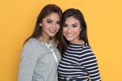 Amigos adolescentes femeninos Imagen de archivo libre de regalías