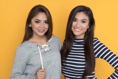 Amigos adolescentes femeninos Foto de archivo libre de regalías