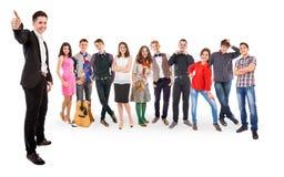 Amigos adolescentes grupo grande Imagen de archivo libre de regalías