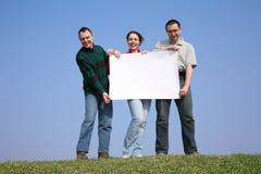 Amigos com papel Fotos de Stock