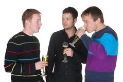 Amigos con la cerveza imagen de archivo libre de regalías