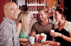 Amigos da casa de café Foto de Stock Royalty Free