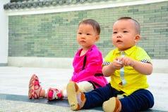 amigos da infância do irmão e da irmã Imagens de Stock Royalty Free