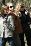 Amigos das mulheres em um parque Fotos de Stock Royalty Free