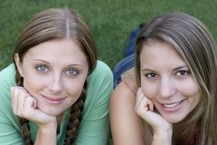 Amigos de las mujeres imagen de archivo libre de regalías