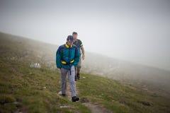 Amigos de los caminantes Fotos de archivo libres de regalías