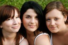 Amigos de menina ao ar livre Imagem de Stock