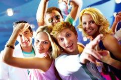 Amigos en el partido Imagen de archivo