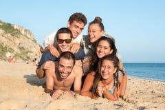 Amigos en tiempo de verano Fotografía de archivo libre de regalías