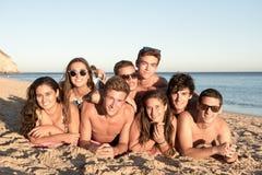 Amigos en verano fotos de archivo libres de regalías