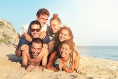 Amigos en verano Imágenes de archivo libres de regalías