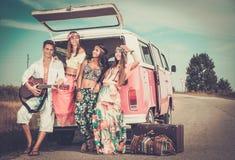 amigos Multi-étnicos del hippie en un viaje por carretera Fotografía de archivo libre de regalías