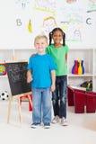 Amigos preescolares imagen de archivo