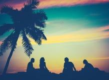 Amigos retros de Hawaii de la puesta del sol