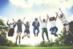 Amigos Team Togetherness Unity Concept da comunidade da ligação fotos de stock royalty free