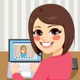 Amigos video de la llamada Imagen de archivo