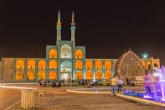 Amir Chakhmaq Complex dans Yazd par nuit Photographie stock libre de droits