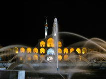 Amir Chakhmaq Complex fyrkant och springbrunn på natten, Yazd Iran Royaltyfri Bild