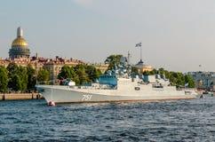 Amiral Essen de frégate sur la rivière Neva à St Petersburg Photos libres de droits