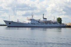 Amiral océanographique Vladimir de navire de recherches Kronstadt Image libre de droits