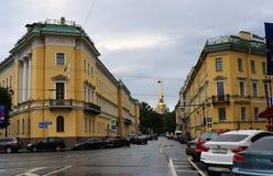 Amiralitetet byggnad i St Petersburg, Ryssland arkivfoton
