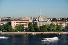 Amiralitetet byggnad på en älskvärd solig dag Royaltyfri Bild