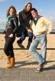 Amis à la plage Photographie stock libre de droits