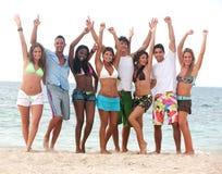Amis à la plage Photos stock
