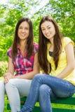 Amis adolescents heureux Photographie stock libre de droits