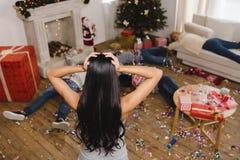 Amis après partie de nouvelle année Photographie stock libre de droits