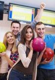 Amis au bowling Image libre de droits