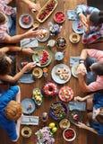 Amis au dîner Photo stock
