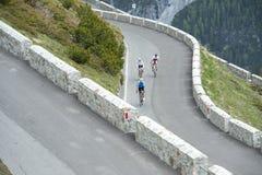 Amis avec des cycles de route Image stock