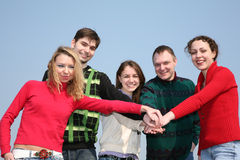 Amis avec des mains Photographie stock libre de droits