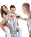 Amis ayant l'amusement prendre la photo Photo libre de droits