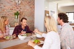 Amis ayant un dîner Photographie stock libre de droits