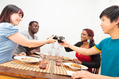 Amis ayant un dîner Photo stock