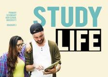 Amis d'éducation de la vie d'étude apprenant le concept licencié Photos libres de droits