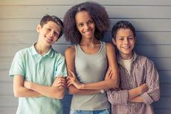 Amis d'adolescent heureux Image libre de droits