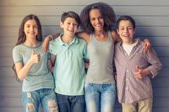 Amis d'adolescent heureux Photographie stock