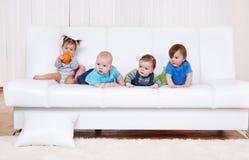 Amis d'enfant en bas âge Photo stock