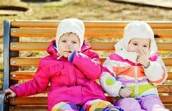 Amis d'enfant en bas âge Photos libres de droits