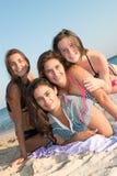 Amis dans l'heure d'été Images stock