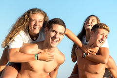 Amis dans l'heure d'été Photos libres de droits