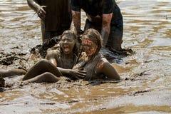 Amis dans la boue Image stock