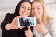 Amis de différents pays Photographie stock libre de droits