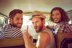 Amis de hippie sur le voyage par la route Photos libres de droits