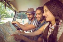 Amis de hippie sur le voyage par la route Photo stock