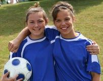 Amis de l'adolescence de footballeur de la jeunesse Image libre de droits
