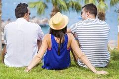 Amis de sourire des vacances de mer d'été Photographie stock